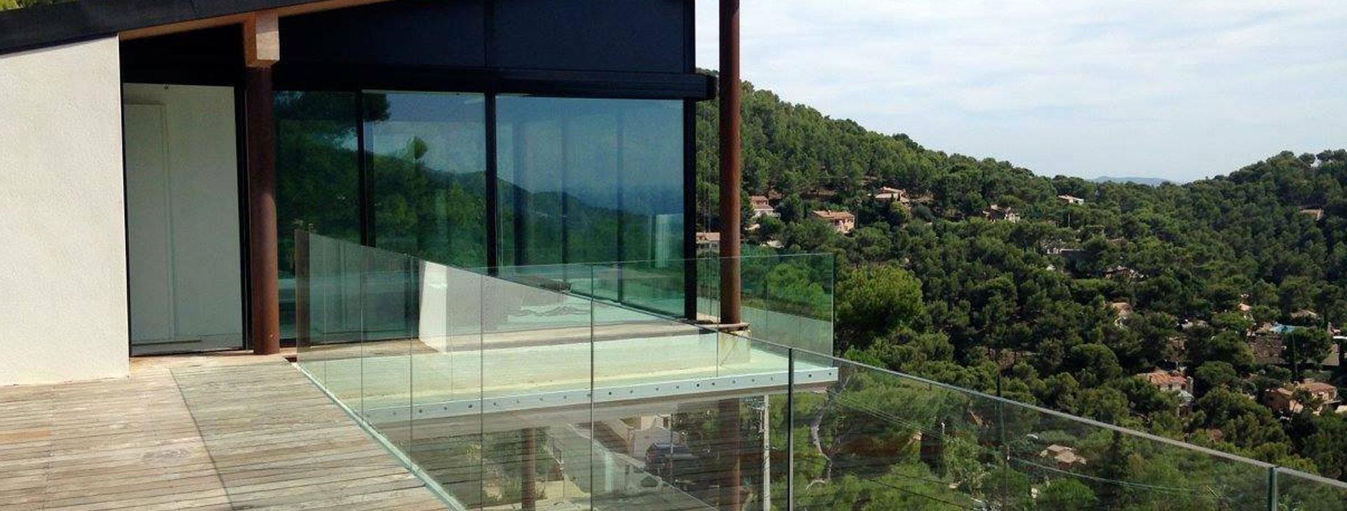 veranda vitre great with veranda vitre vranda en aluminium tout verre with veranda vitre. Black Bedroom Furniture Sets. Home Design Ideas
